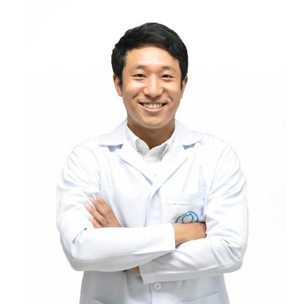 ทันตแพทย์ คงวุฒิ เหลืองเรืองรอง Thailand Dentists