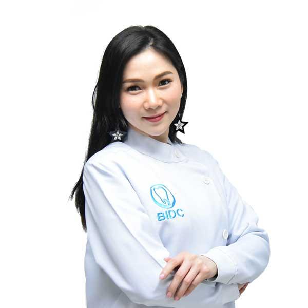 ทันตแพทย์หญิง รพีพรรณ มนต์อารักษ์ Dentists Thailand