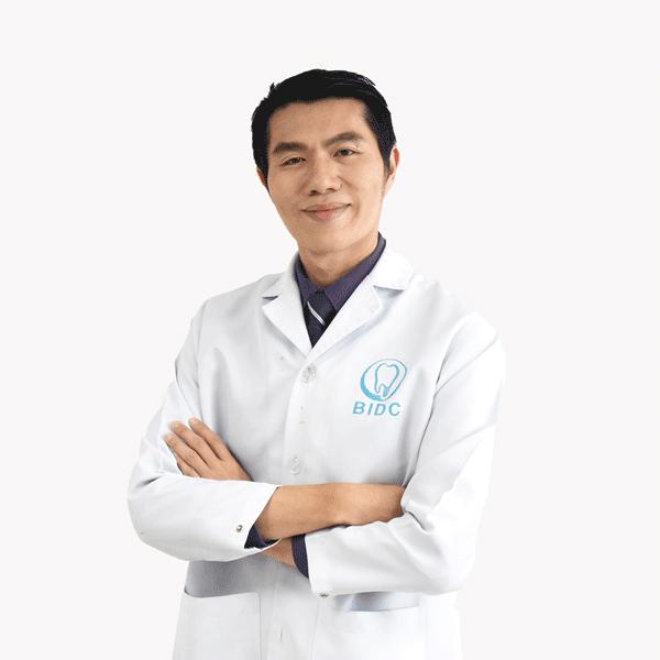 ทันตแพทย์ ยงยุทธ เอี่ยมพิทักษ์สกุล Dentists Thailand