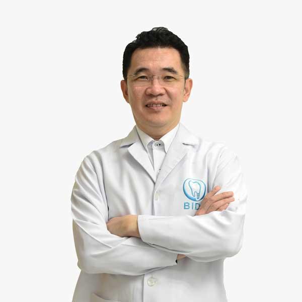 ทันตแพทย์ สมชัย มโนพัฒนกุล Dentists