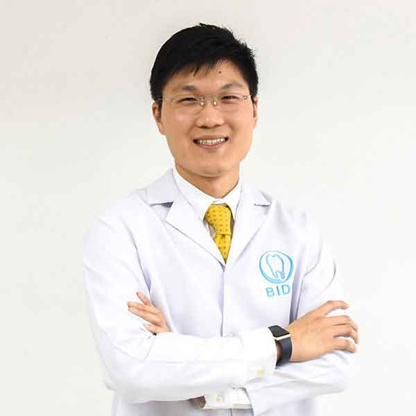 ทันตแพทย์ พีรพัฒน์ กวีวงศ์ประเสริฐ DDS, MSD